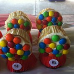 Aubrey's very funny mom Amy Anderson really pulled out her inner Martha Stewart with these fun cupcakes that look like a gumball machine